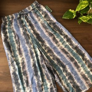 NWT Print High Waist Gaucho Pants